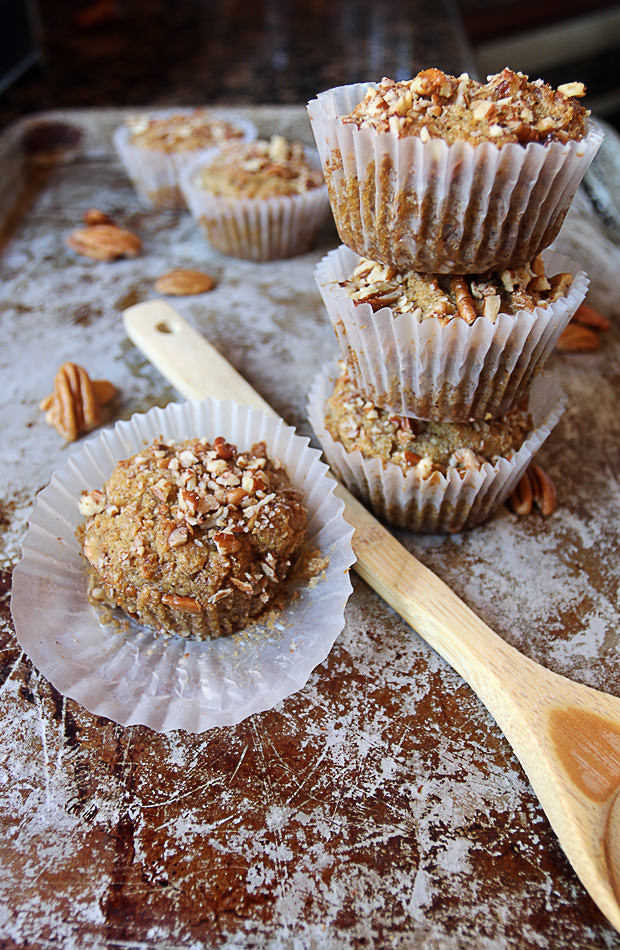 Maple Pecan Keto Muffins | Shared via www.ruled.me