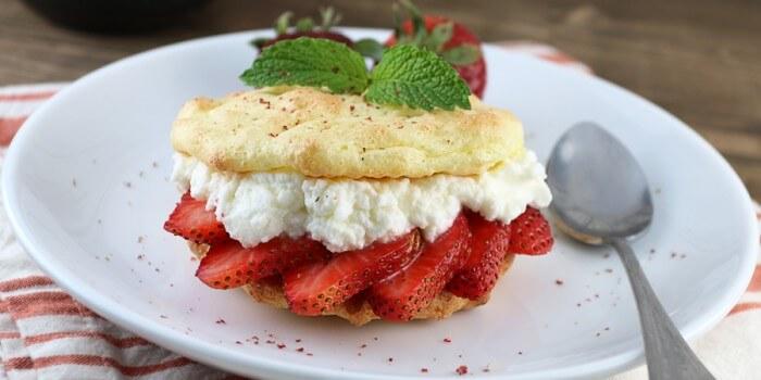 Easy Keto Strawberry Shortcakes